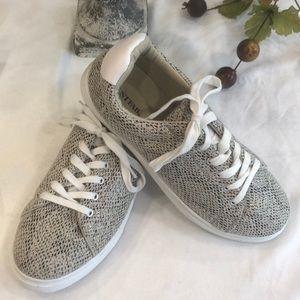 JustFab Honnah snakeskin print casual sneakers